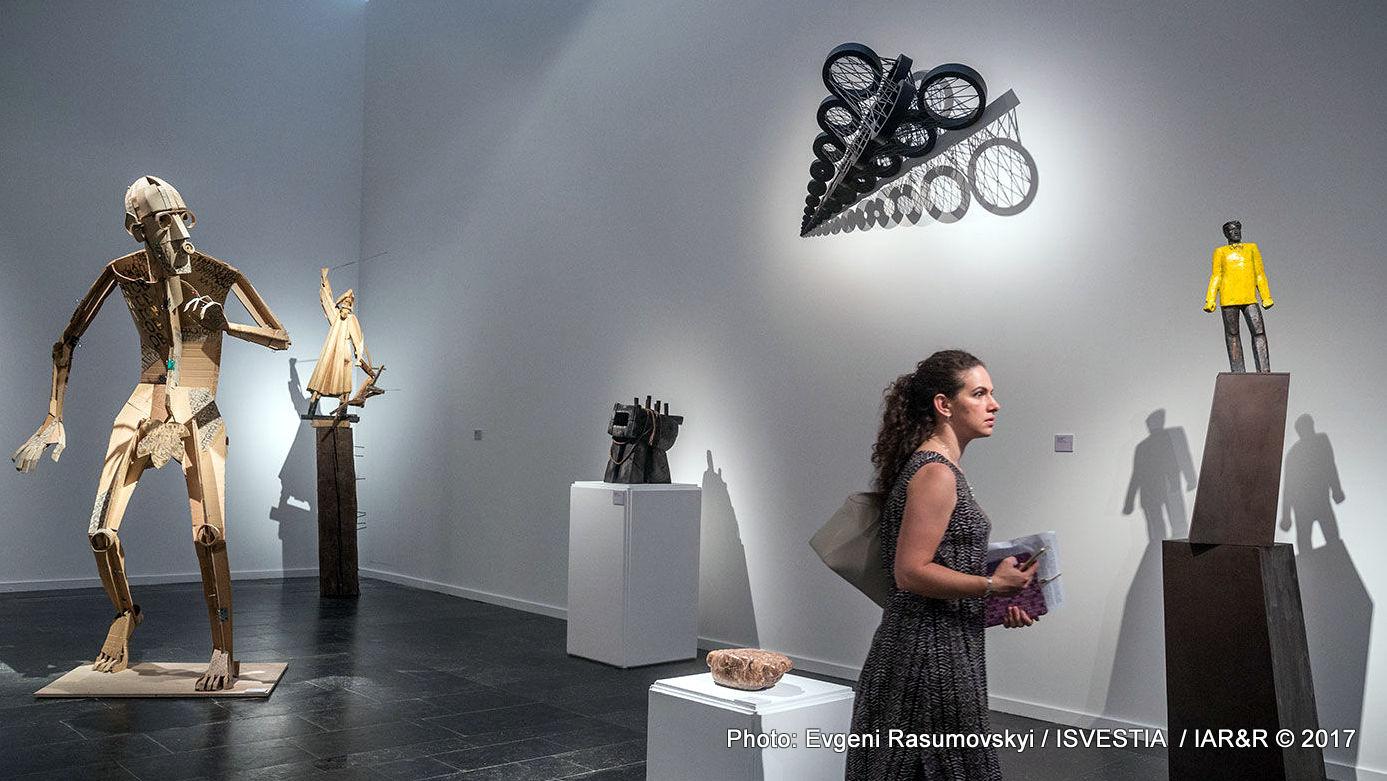 Интериор от изложбата