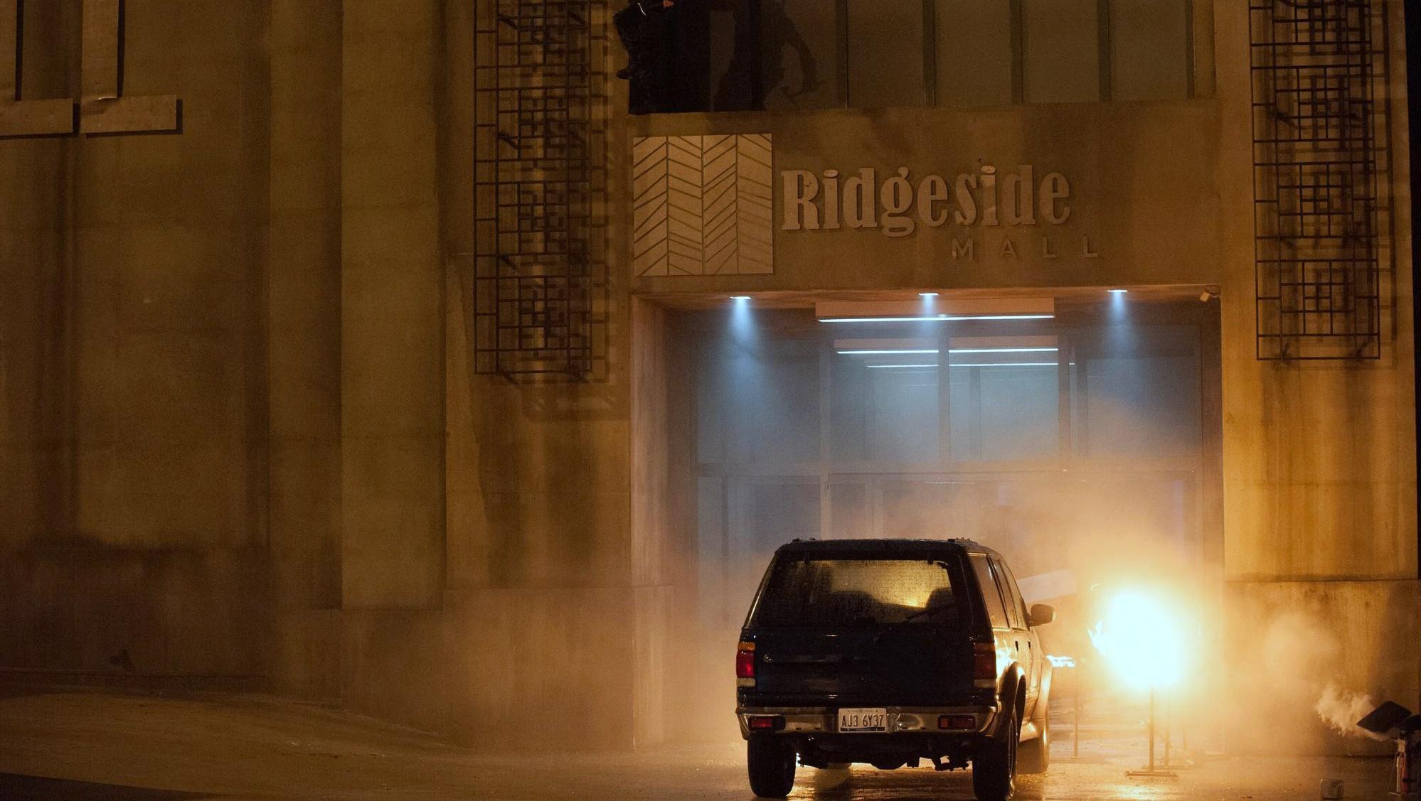 """""""Риджсайт мол"""" – това е мястото на действието и развитието на екшъна"""