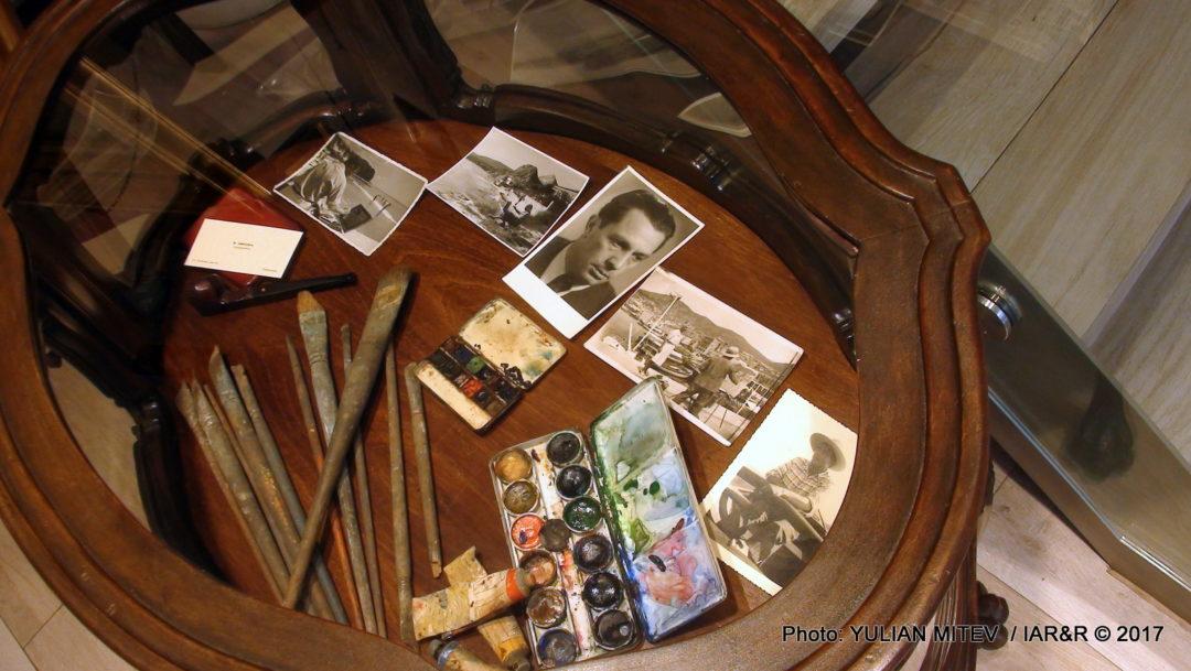 Мемориален кът за художника с личните вещи, които той е използвал