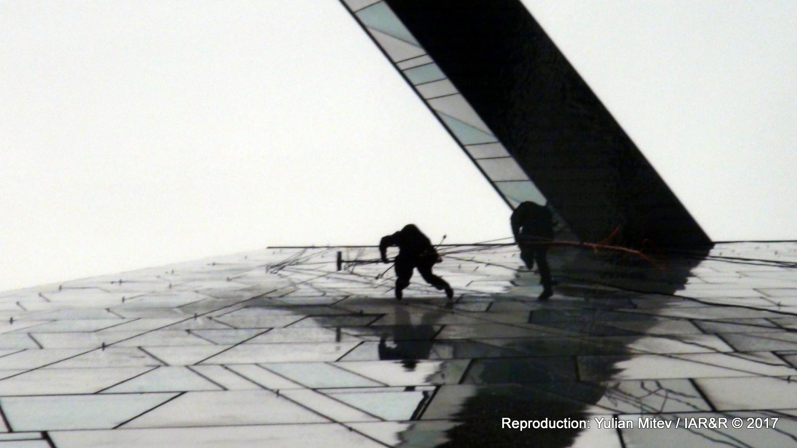 ПЛАМЕН ЯНКОВ, Без заглавие 1 (фрагмент), серия Тhe Hockey Game, Дибонд кристал, пигментен печат, 100 х 66 см, 2017