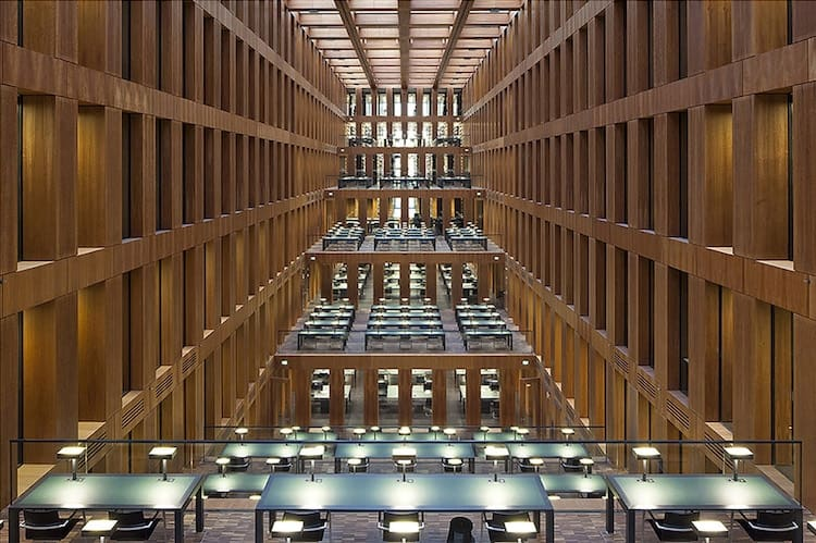 Jacob and Wilhelm Grimm Library. Berlin (2010)