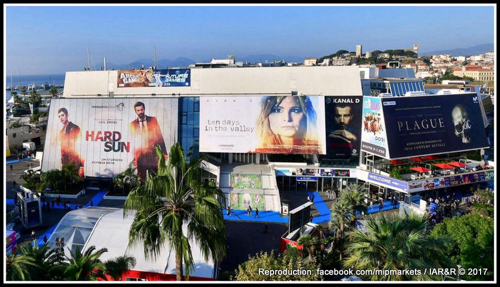 """""""Пазарът"""" за телевизионни предавания Mipcom – това е предприятие, което има за телевизионната индустрия също таккова огромно значение, както и канският Marche du film – за световната киноиндустрия. На него се определят не само тенденции, но и конкретни заглавия (facebook.com/mipmarkets)"""