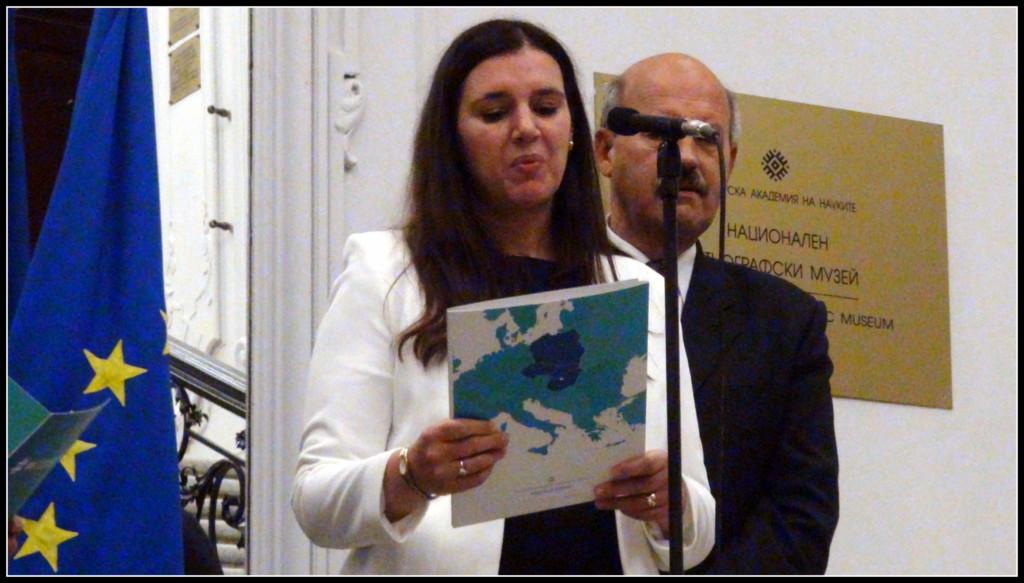 Приветствие към събралите се зрители поднесе Текла Марангозо, която в момента е извънреден пълномощен посланик на Унгария в София